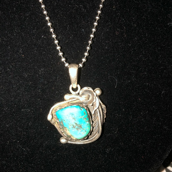 Jewelry - Native American turquoise chunk silver necklace